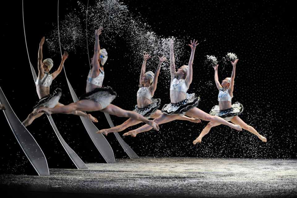 Hard Nut Snow Scene - The Mark Morris Dance Group photo Stephanie Berger